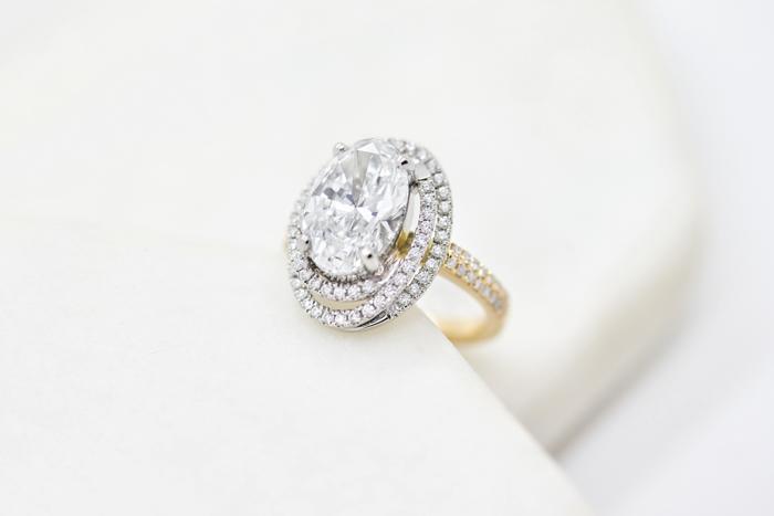 Anillo de diamantes de Taylor and Hart Lab Grown