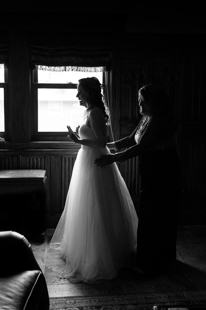 vestidos de novia para la boda de Moore Cove Falls