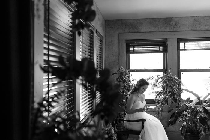novia leyendo carta del novio