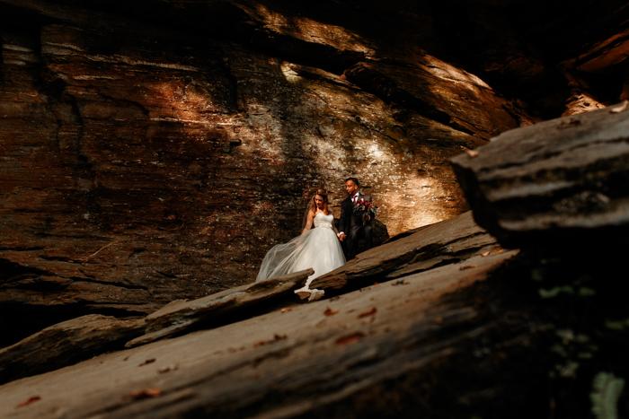 Retratos de boda de Moore & # 39; s Cove Falls