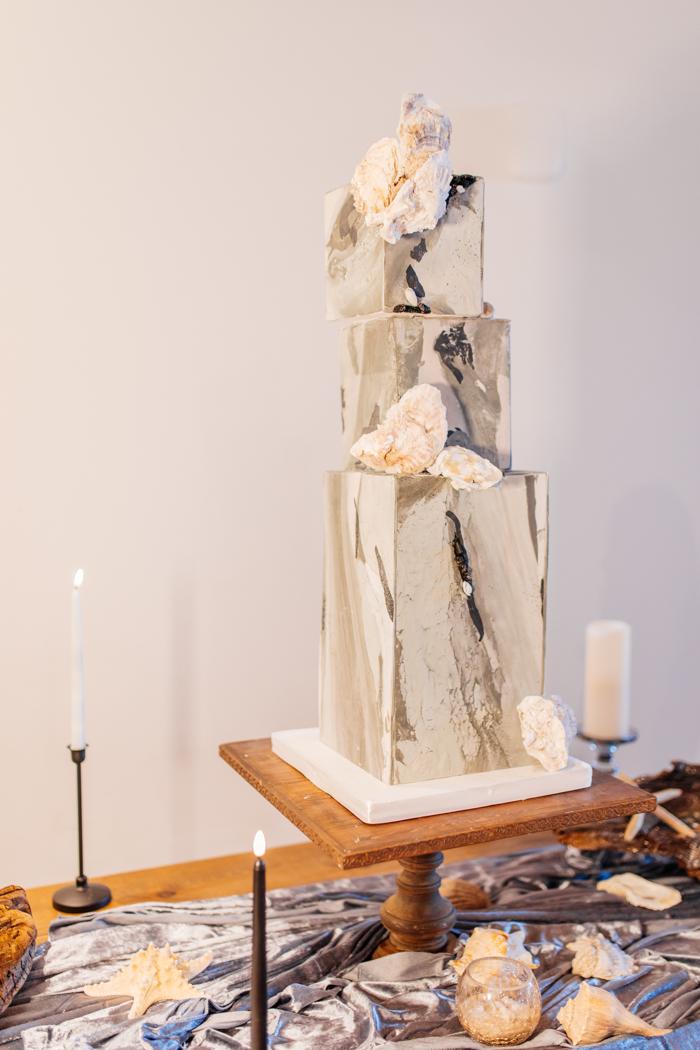 pastel de bodas de mármol geométrico