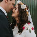 Esta boda en casa de Cloughjordan te enamorará de las coloridas flores